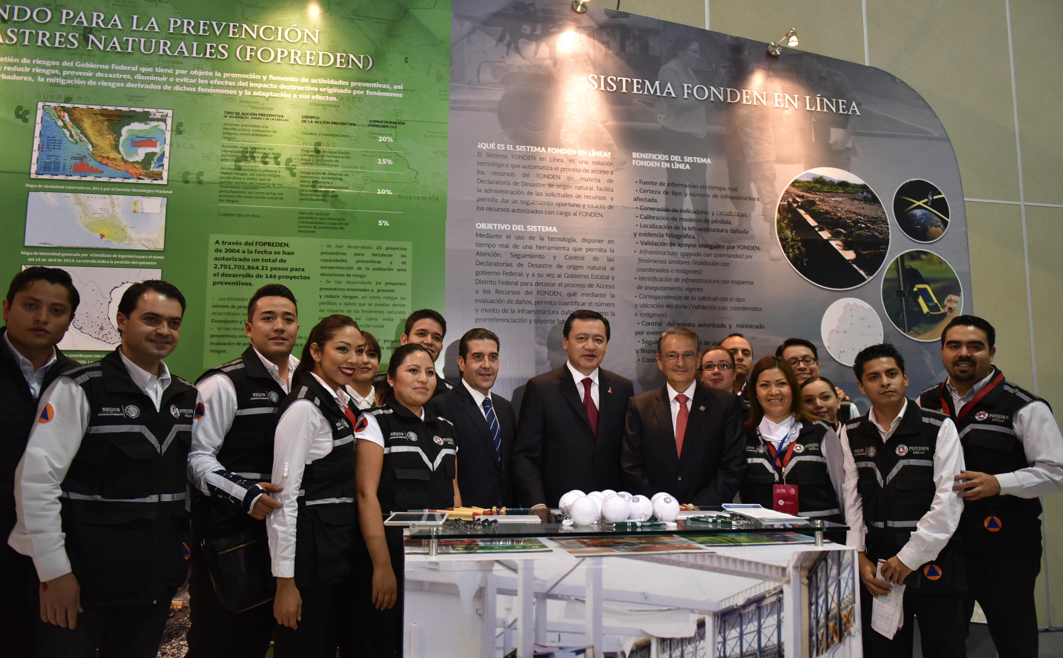 El Secretario de Gobernación, Miguel Ángel Osorio Chong, inauguró la Segunda Convención Nacional de Protección Civil.