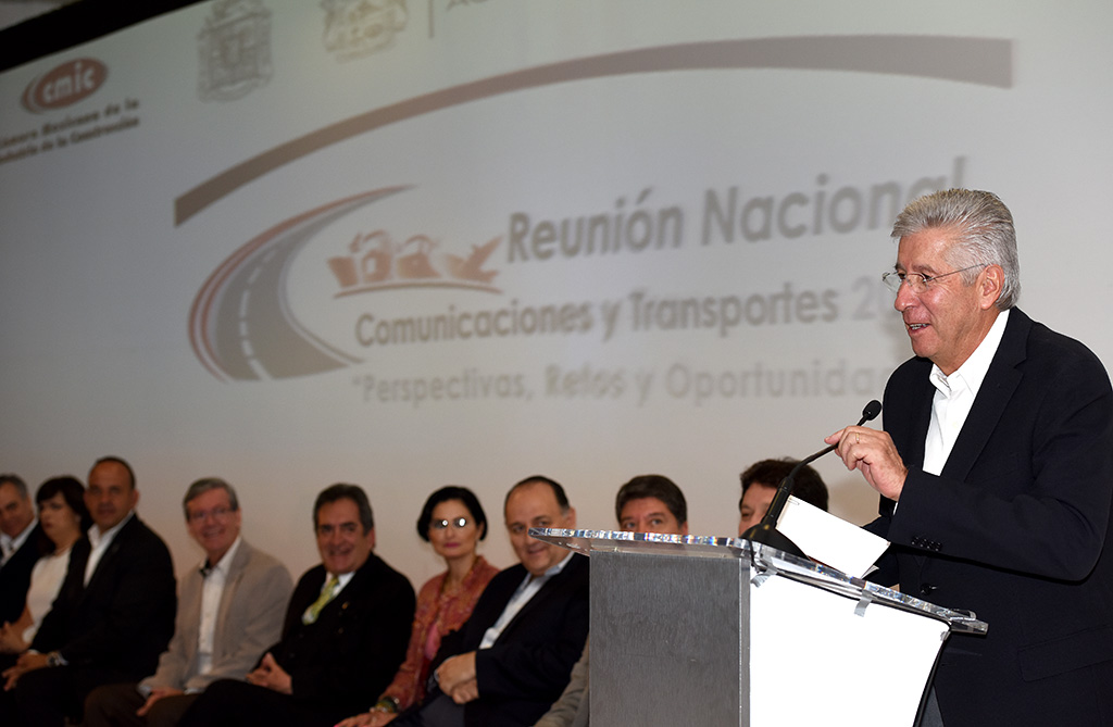 Histórico, SCT asigna contratos de infraestructura a empresas locales y regionales