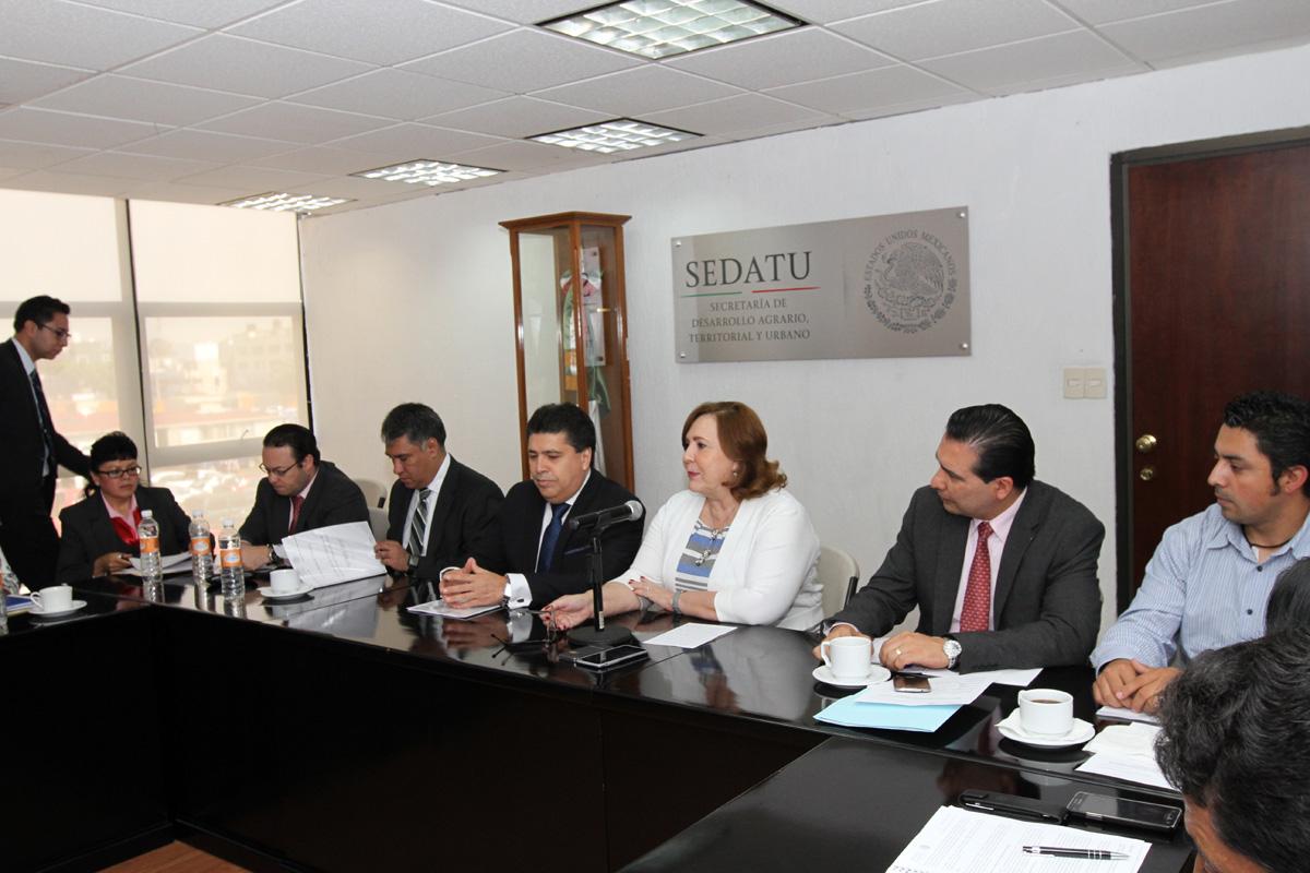 Funcionarios de SEDATU y de los organismos sectorizados tomando el curso de capacitación.