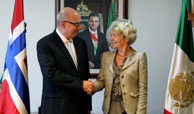 Juan José Guerra Abud, recibió a la Excma. Sra. Merethe Nergaard, Embajadora del Reino de Noruega ante México