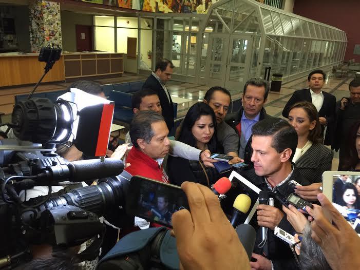 """""""Condenamos esta forma, verdaderamente, de barbarie y de desastre que ha dejado en un país hermano, como Francia"""": Enrique Peña Nieto."""