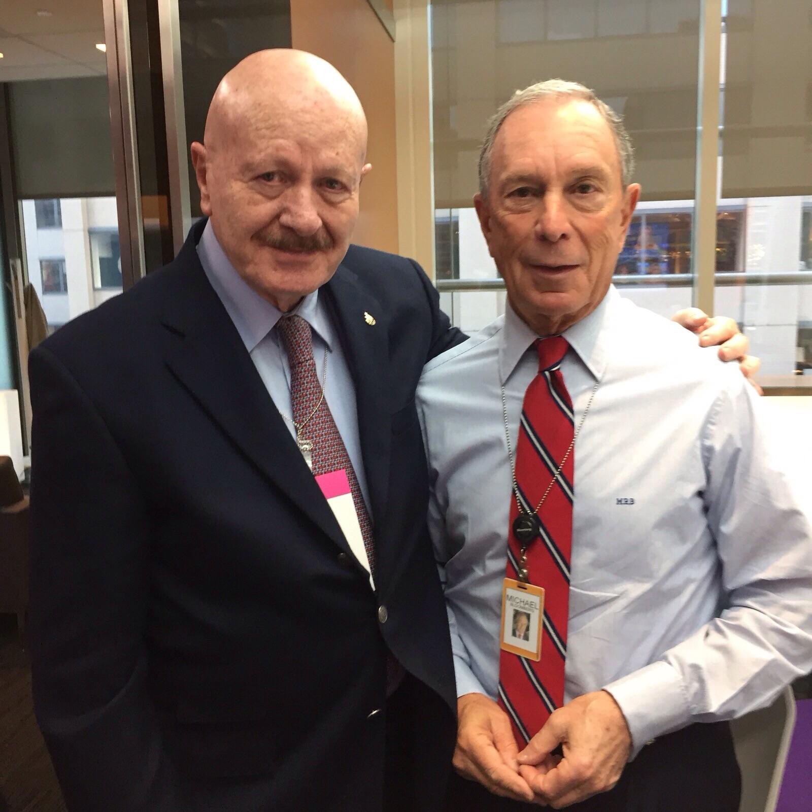 El Comisionado Nacional contra las Adicciones, Manuel Mondragón y Kalb, se reunió en Nueva York, EUA, con Michael Bloomberg, director de Fundación Bloomberg.