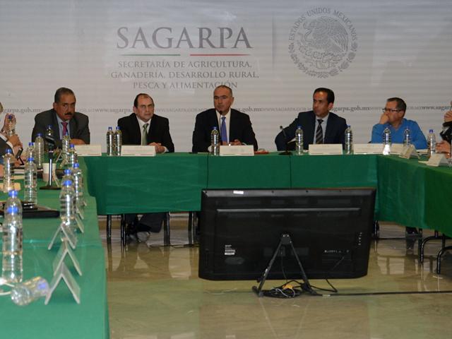 Encabeza secretario José Calzada Rovirosa encuentro con la Comisión Ejecutiva para la Productividad Ganadera de la Cadena Bovinos-Carne.