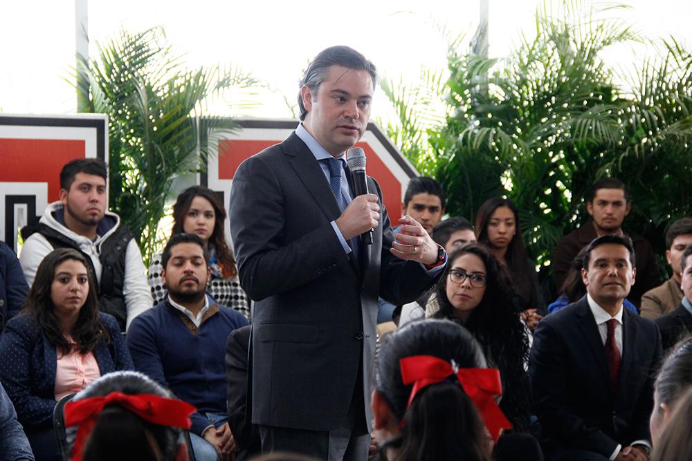 Entrevista al secretario de Educación Pública, Aurelio Nuño Mayer, al término de su visita a la Universidad Tecnológica El Retoño