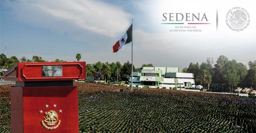 """Ceremonia de develación de la inscripción en letras doradas: """"CENTENARIO DEL EJÉRCITO MEXICANO, LEALTAD Y SERVICIO A MÉXICO, 1913-2013""""."""