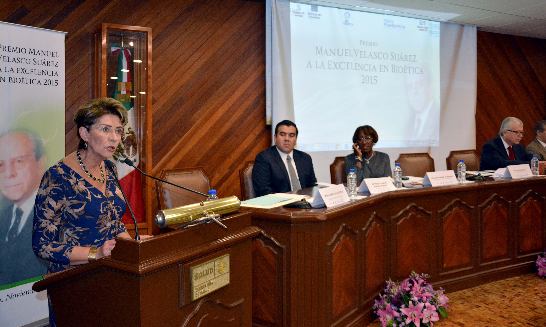 La ceremonia fue encabezada por la Secretaria de Salud, doctora Mercedes Juan.