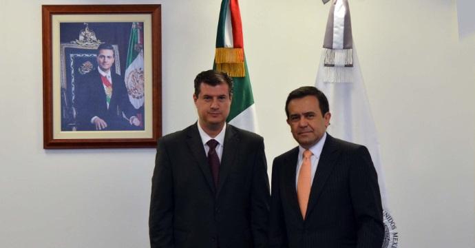 Toma posesión José Rogelio Garza como Subsecretario de Industria y Comercio