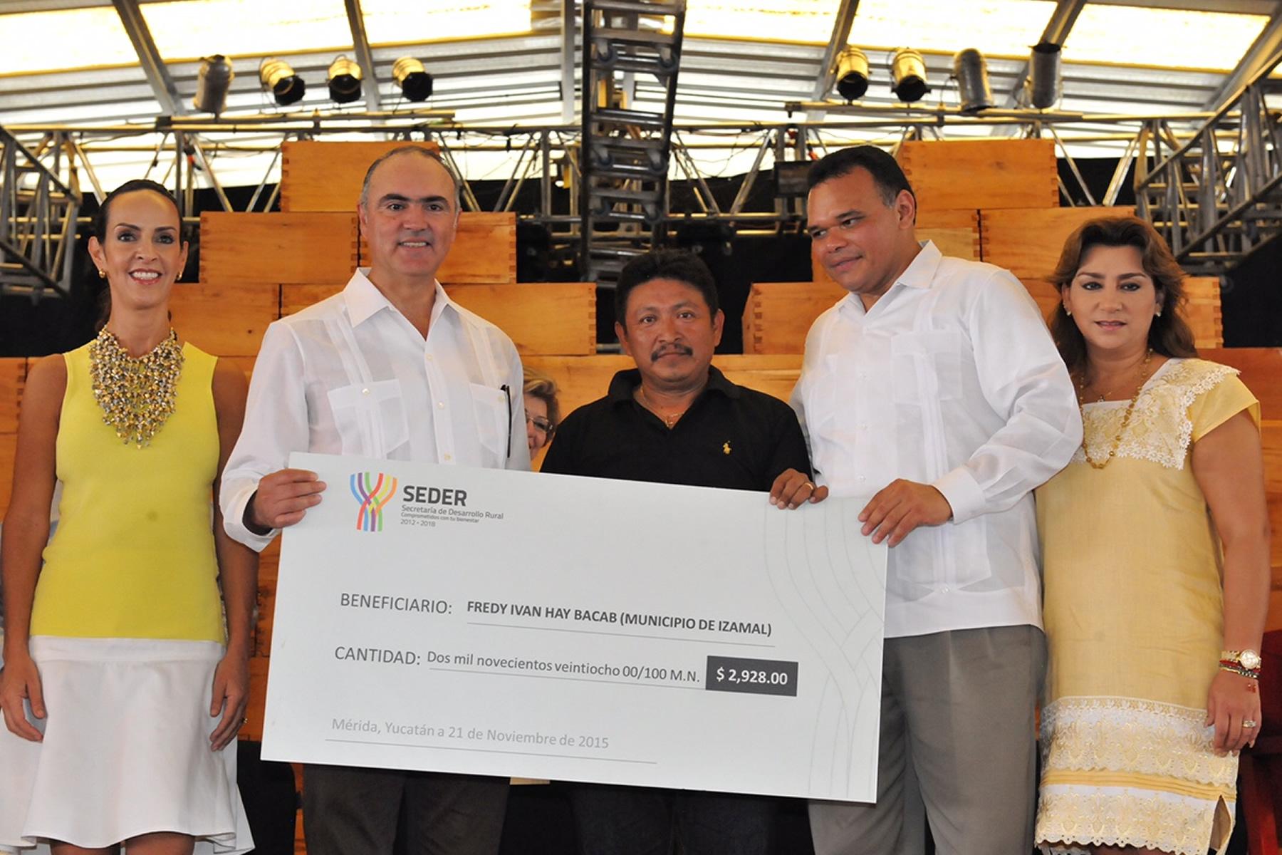 Incentivan SAGARPA y gobierno de Yucatán producción de henequén e impulsan sectores apícola, ganadero y pesquero.