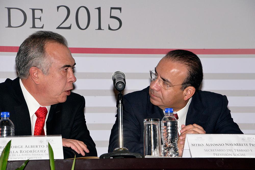 El Secretario del Trabajo y Previsión Social, Alfonso Navarrete Prida, durante el informe de Labores del Presidente de la Junta Federal de Conciliación y Arbitraje, Jorge Alberto Zorrilla Rodríguez.