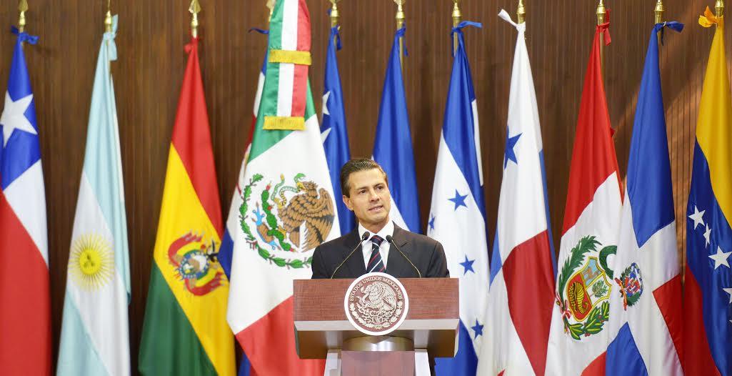"""""""Cada vez son más los sujetos obligados a ser más abiertos y transparentes en la ejecución de los recursos públicos en México"""": EPN"""