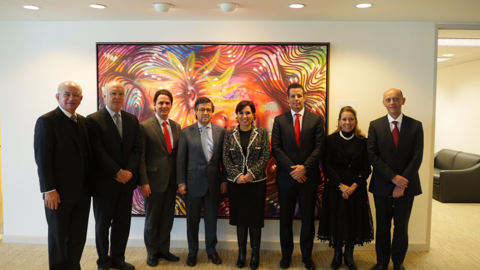 La delegación de SEDATU con representantes del Banco Interamericano de Desarrollo y el Embajador de México en Estados Unidos.