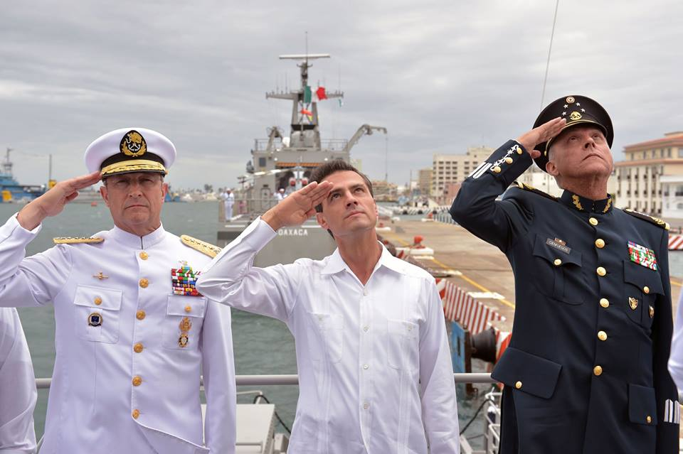 The president led the commemoration of Mexican Navy Day and inaugurated the Mexican Navy's Center for Weapons Modernization and Development.
