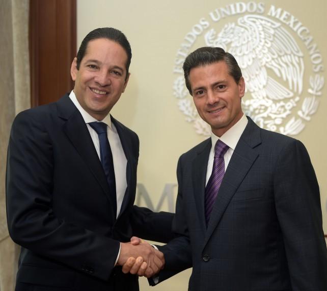 Preisident Enrique Peña Nieto congratulates governor-elect of Querétaro