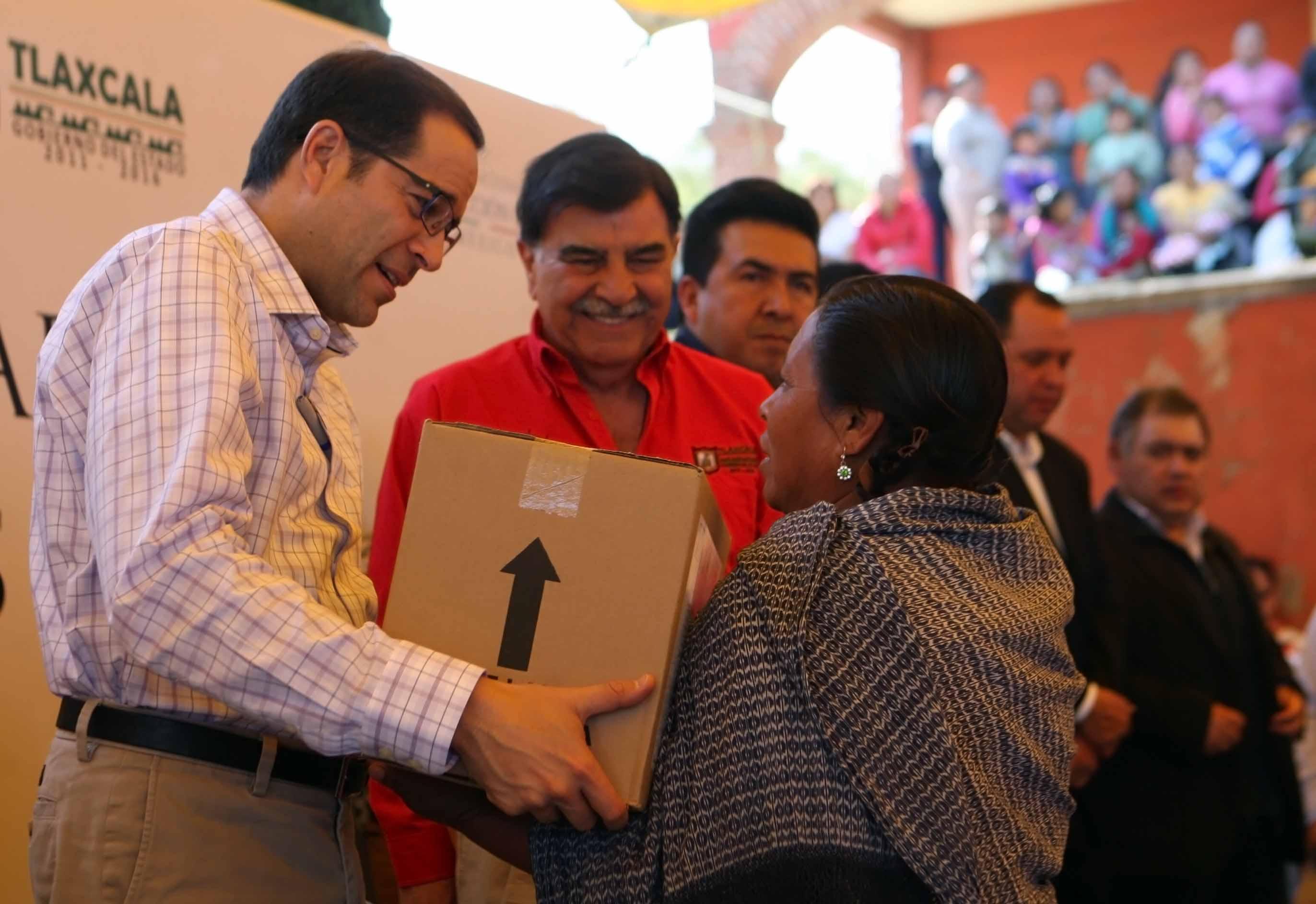 Proteger a las familias mexicanas y brindarles mayor bienestar, compromiso del actual gobierno