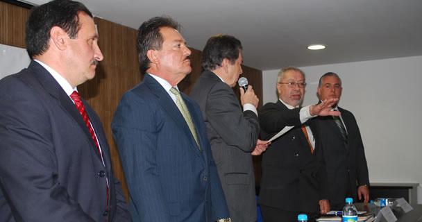 El secretario de Agricultura, Ganadería, Desarrollo Rural, Pesca y Alimentación, Enrique Martínez y Martínez, designó como delegado de la SAGARPA en Durango a Efraín del Castillo del Valle, quien este día asumió el cargo.