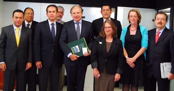 En reunión de trabajo, el subsecretario de Alimentación y Competitividad, Ricardo Aguilar Castillo, y el embajador de los Países Bajos, Dolf Hogewoming, se destacó el posicionamiento internacional de México en materia agroalimentaria.