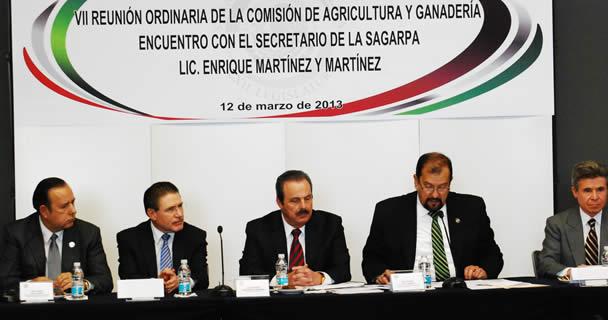 El titular de la SAGARPA se reunió con los integrantes de la Comisión de Agricultura y Ganadería de la Cámara de Senadores, encabezada por el senador Humberto Cota, para informar el plan de trabajo de la Secretaría y abordar los temas sustantivos de la ag