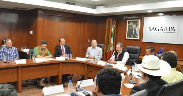 Refrenda SAGARPA diálogo permanente y trabajo cercano y de puertas abiertas con los dirigentes de productores mexicanos: EMM