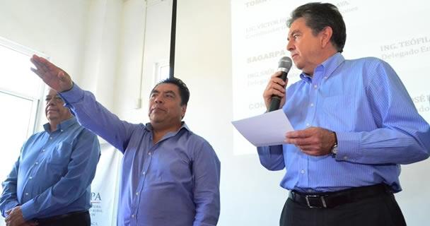 Teófilo Manuel García Corpus y José Isidro Martínez Pastelín.