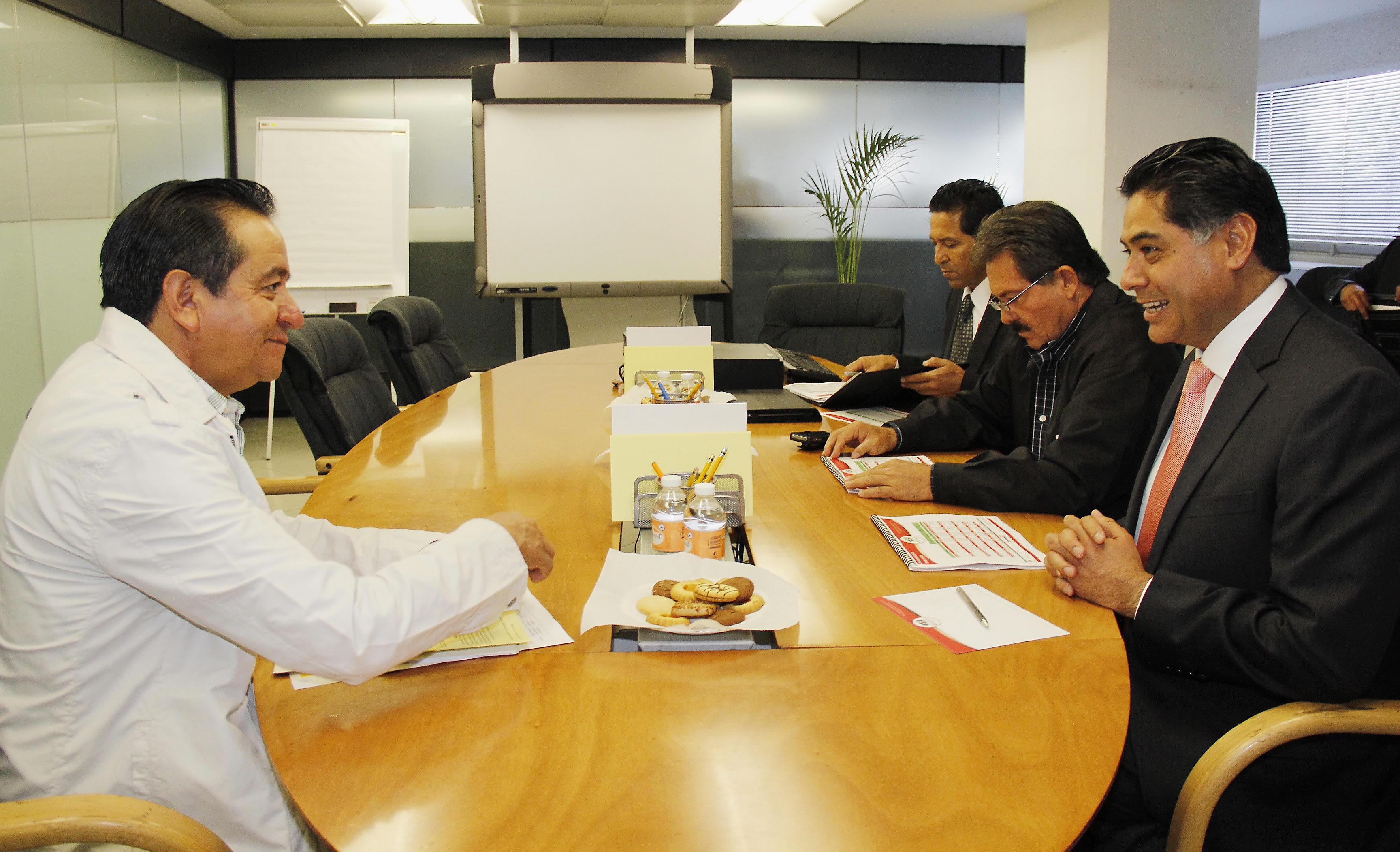 Durante una reunión de trabajo entre el subsecretario de Desarrollo Rural, Arturo Osornio Sánchez, y el gobernador de esa entidad, Jorge Herrera Caldera, se dio seguimiento a los efectos de la sequía y a la declaratoria de desastre natural por este fenóme