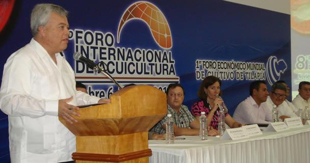 El comisionado nacional de Acuacultura y Pesca, Mario Aguilar Sánchez.