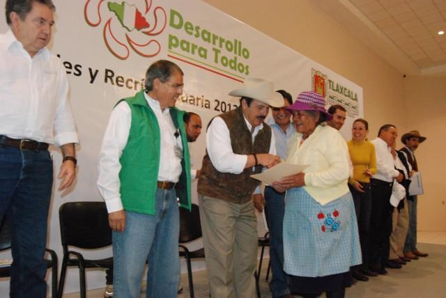Reactivan SAGARPA y gobierno de Tlaxcala sector productivo agroalimentario de la entidad
