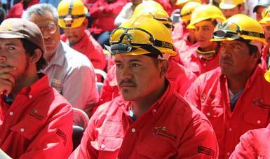 Semarnat entrega recursos para la atención de incendios forestales en el 2015.