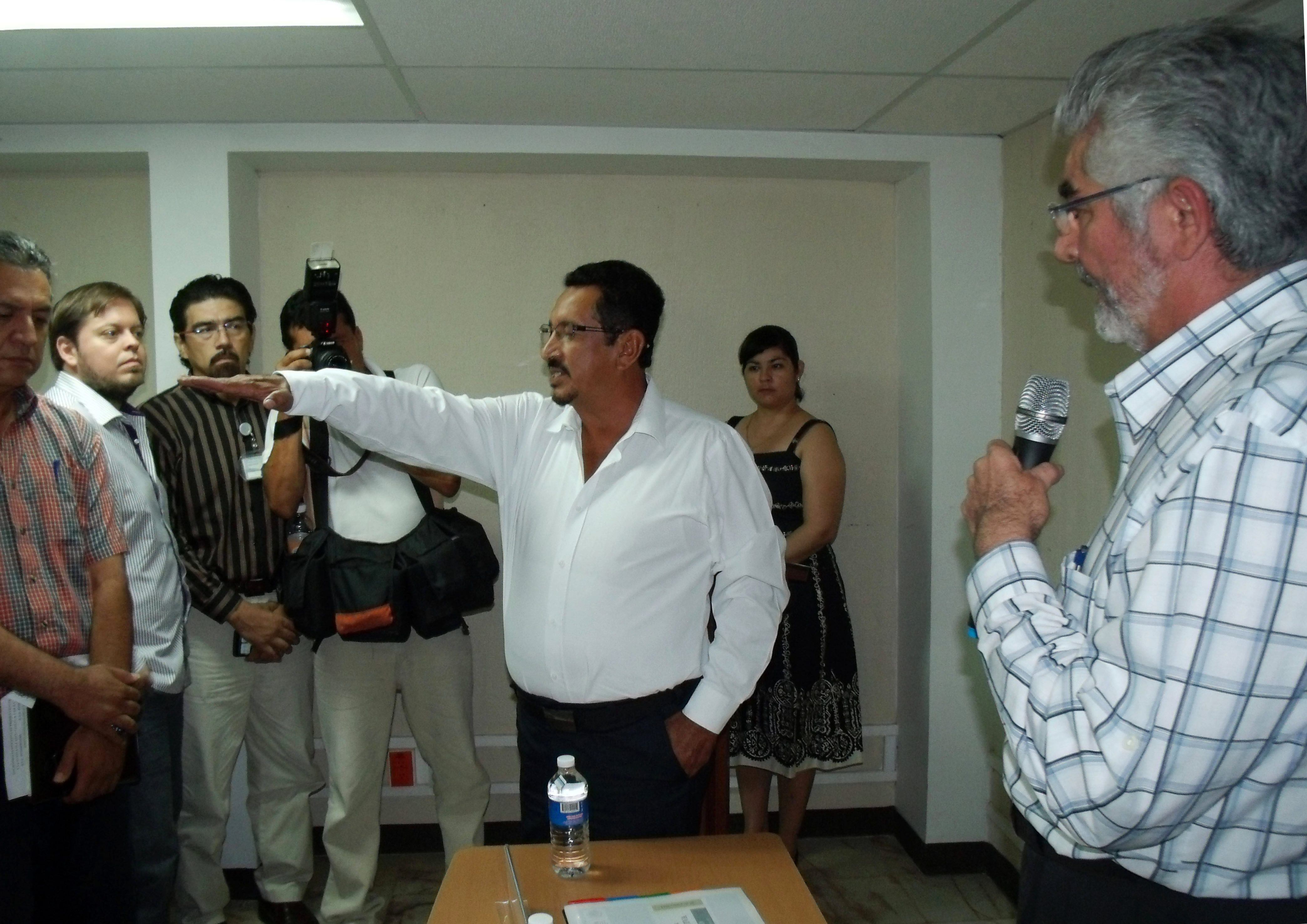 arlos Hernández Reyes tomó protesta hoy como nuevo delegado de la Secretaría de Agricultura, Ganadería Desarrollo Rural, Pesca y Alimentación (SAGARPA) en el estado de Tabasco.