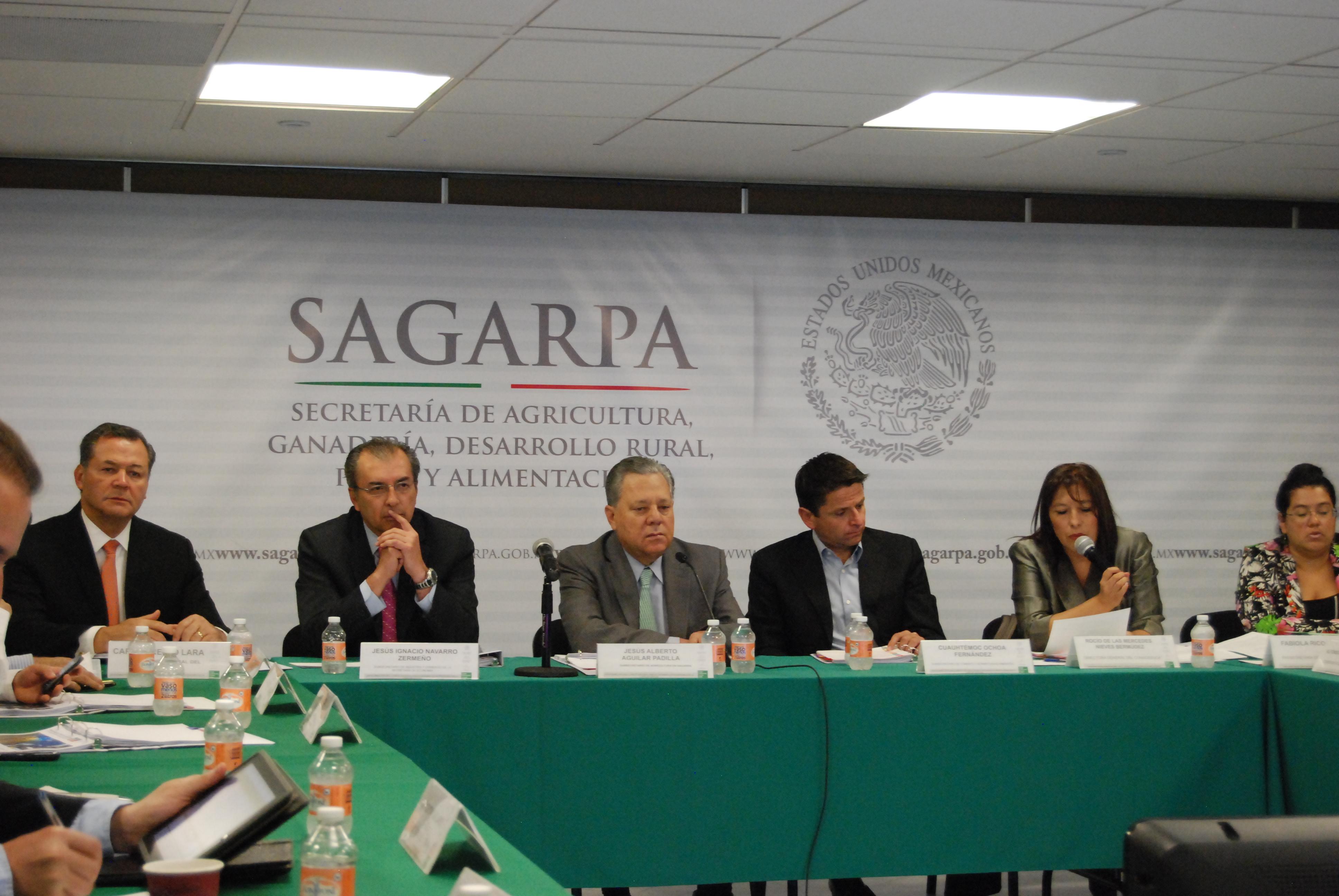 En sesión ordinaria del CONADESUCA, el subsecretario de Agricultura de la SAGARPA, Jesús Aguilar Padilla, afirmó que el acuerdo beneficiará a alrededor de 170 mil productores dedicados a esta actividad.