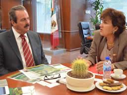 El titular de la SAGARPA, a través de la embajadora Elisabeth Beton, invitó al Ministro de Agricultura de Francia, Stéphane Le Foll, a participar en el Foro de Expectativas 2014, organizado por el SIAP.