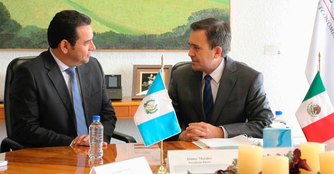 Reunión de Ildefonso Guajardo con el Presidente electo de Guatemala, Jimmy Morales