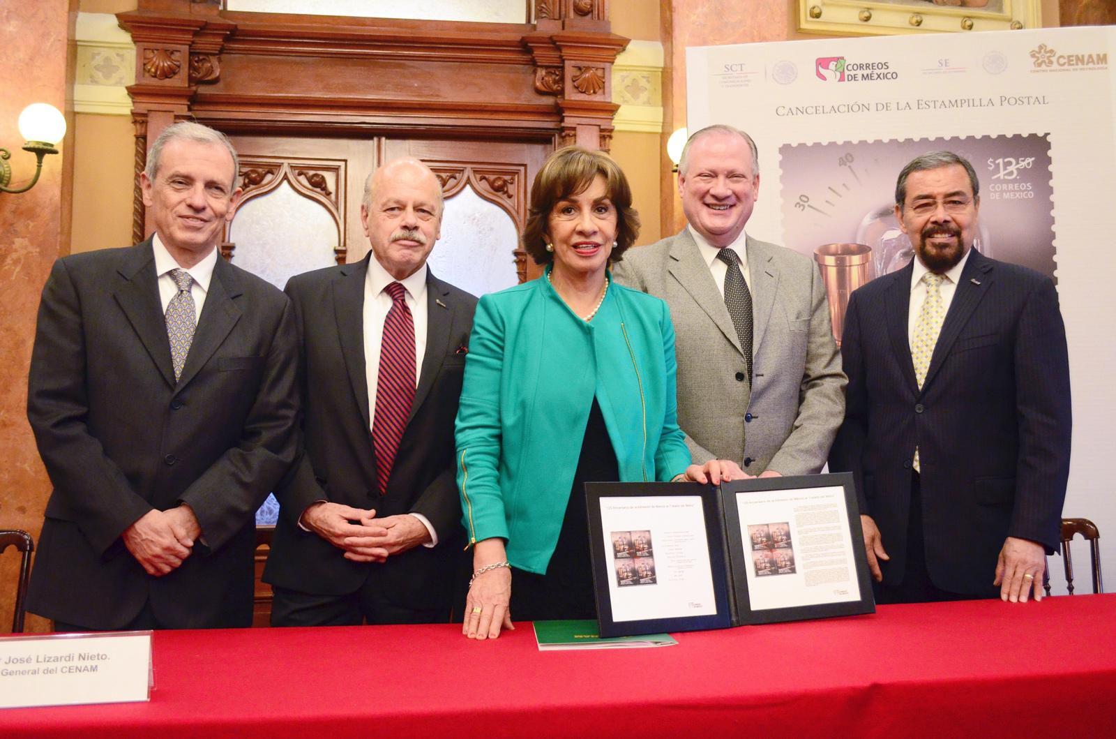 Cancela Rocío Ruiz la estampilla postal por el 125 Aniversario de la Adhesión de México al Tratado del Metro