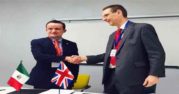Las agencias sanitarias de México y el Reino Unido firman acuerdo de cooperación