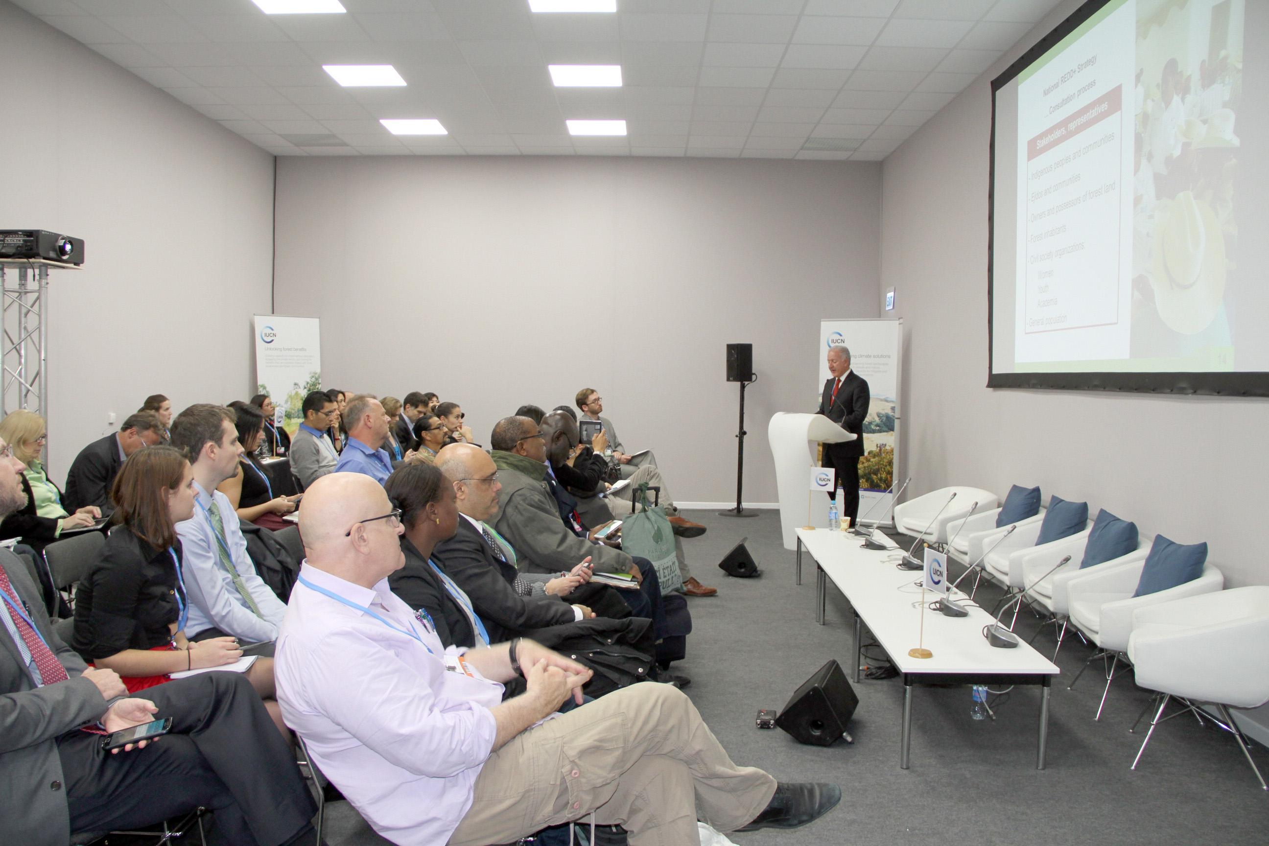 Jorge Rescala Pérez, Director de la Comisión Nacional Forestal, expuso en París la implementación del Sistema Nacional de Monitoreo Forestal y la Iniciativa REDD+