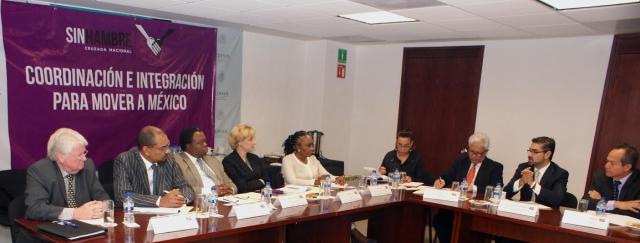 Busca intercambiar experiencias exitosas y buenas prácticas de política social, sobre todo en zonas urbanas.