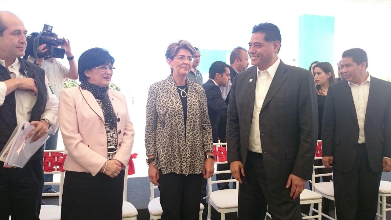 Dra. Mercedes Juan en gira de trabajo por el estado de Durango