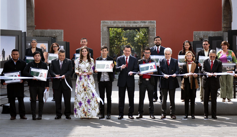 El Secretario de Gobernación encabezó la ceremonia de premiación del Segundo Concurso Nacional de Fotografía Sentimientos de México, Expresión de Orgullo