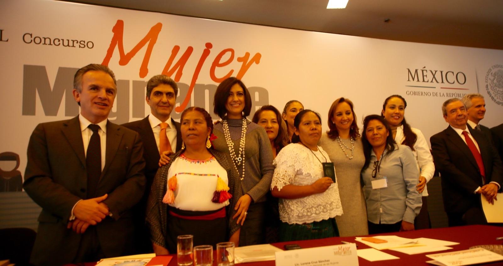 """A nombre del secretario José Antonio Meade, el subsecretario Nemer participó en entrega del premio """"Mujer migrante, cuéntame tu historia"""" organizado por Inmujeres"""