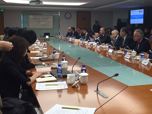 Encabeza secretario José Calzada Rovirosa reuniones con empresarios e importadores de China.
