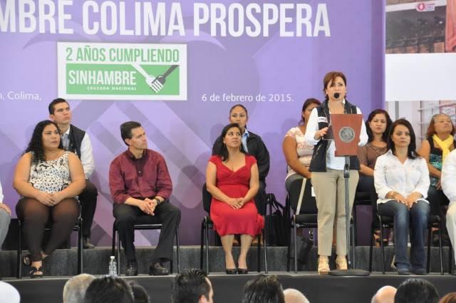 El Presidente Enrique Peña Nieto atestiguó la entrega de apoyos de los programas sociales de la Sedesol, la secretaria Robles Berlanga refrendó el compromiso del Gobierno de la República de seguir trabajando