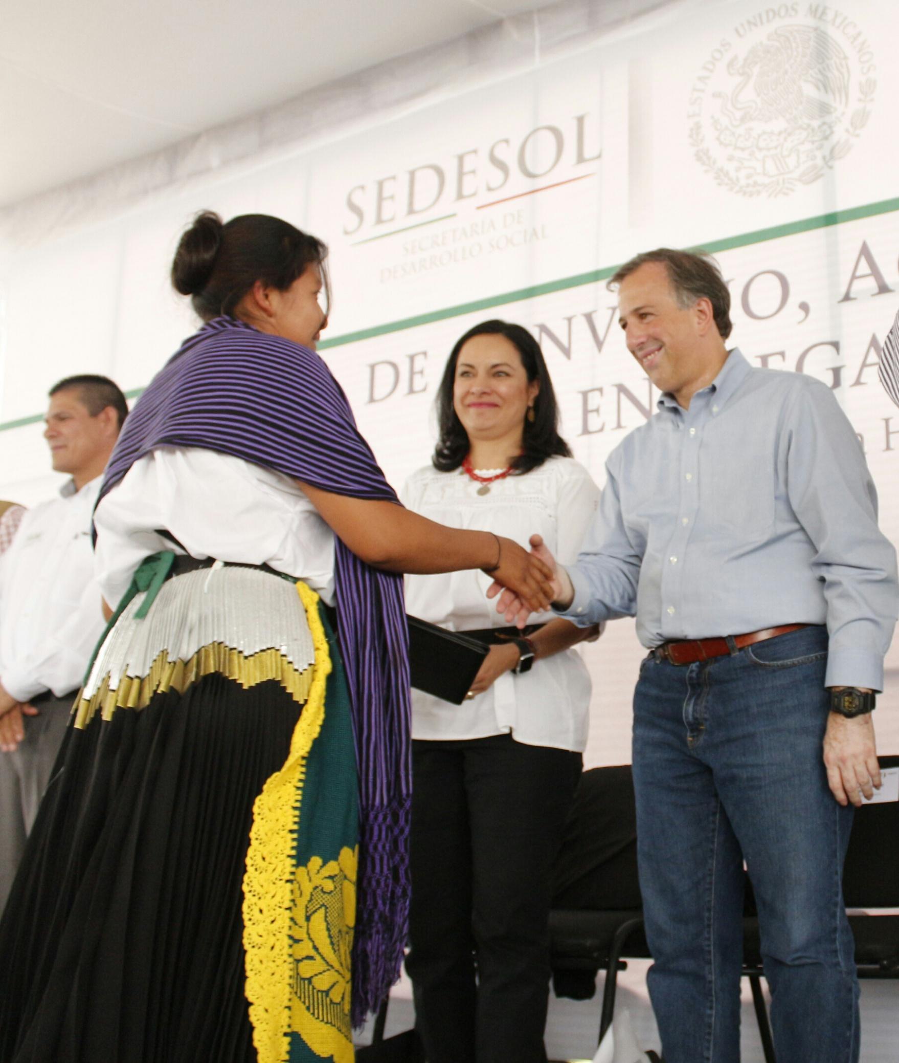 El secretario José Antonio Meade en su gira de trabajo por Colima