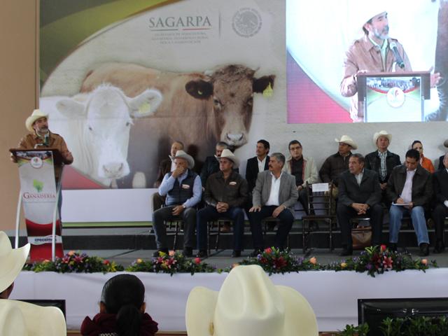El coordinador general de Ganadería participó en los trabajos del II Congreso Regional de Ganadería 2015.