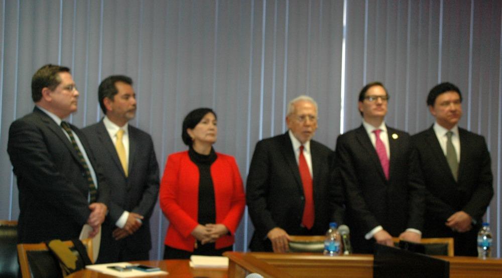 Los representantes del Gobierno del Distrito Federal expusieron los principales elementos de su propuesta y las razones que la motivaban.