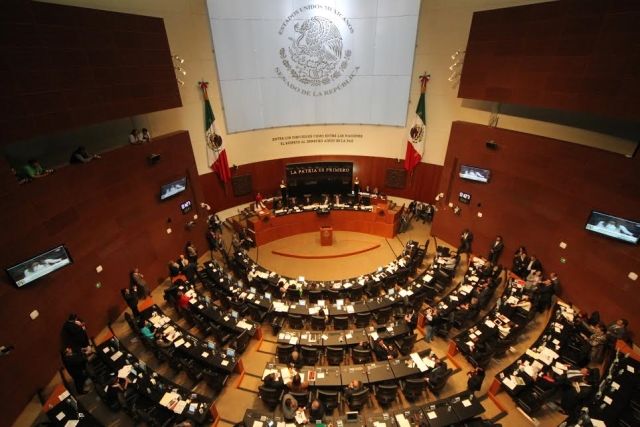 Las reformas estructurales permitirán al país crecer en 2015 en 3%, afirma la Secretaria de Desarrollo Social, Rosario Robles Berlanga, al comparecer en el Senado de la República.