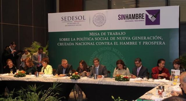 Lo social y económico deben ir de la mano para abatir la pobreza a través del crecimiento económico, afirma el Subsecretario Ernesto Nemer.
