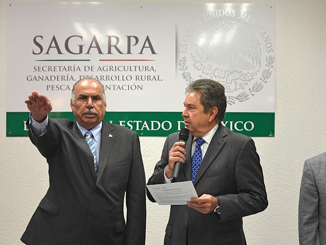 Rinde protesta Julio de la Mora Razura como delegado de SAGARPA en el Estado de México