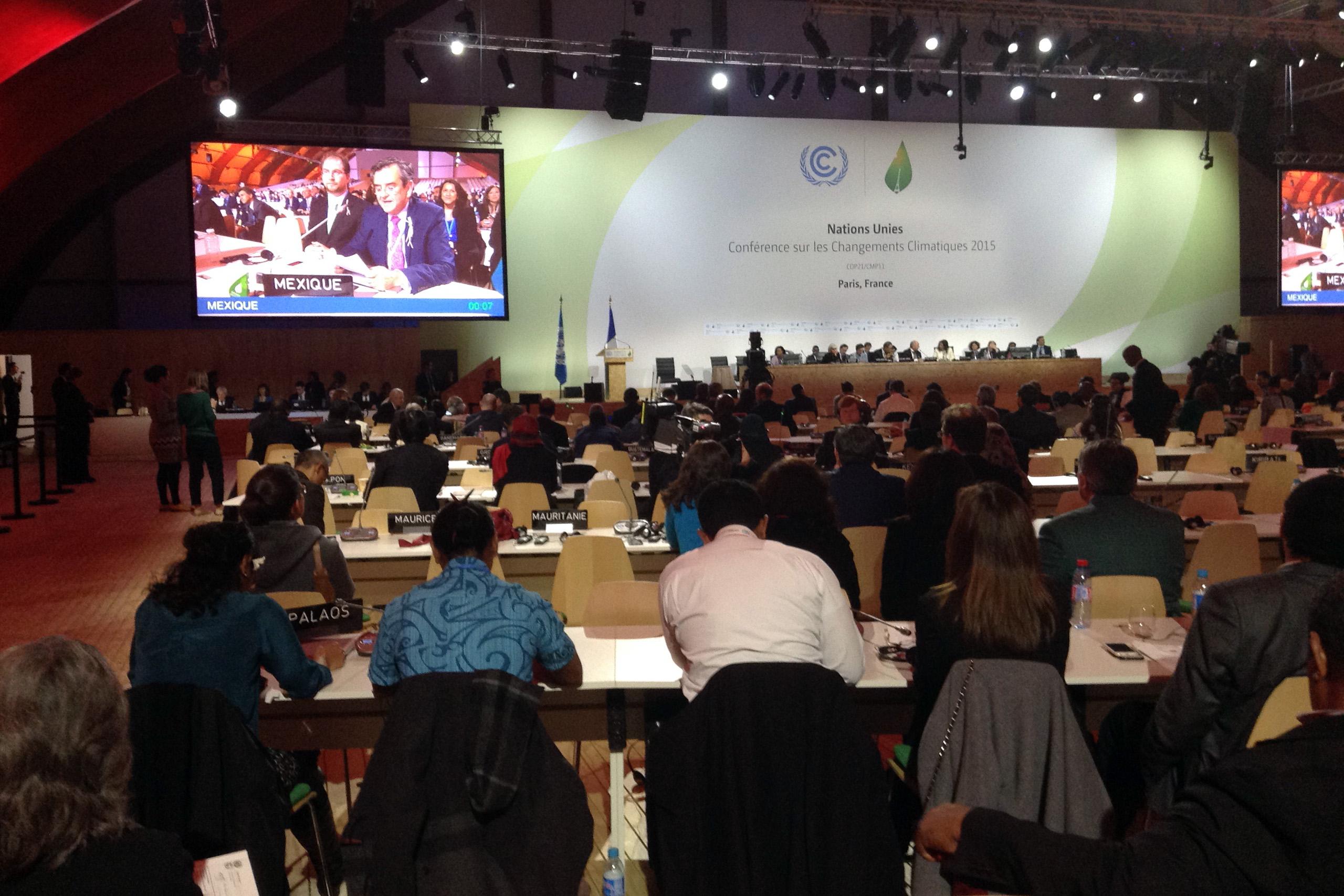 El nuevo acuerdo compromete a los países a trabajar de manera ambiciosa, progresiva, equitativa y transparente
