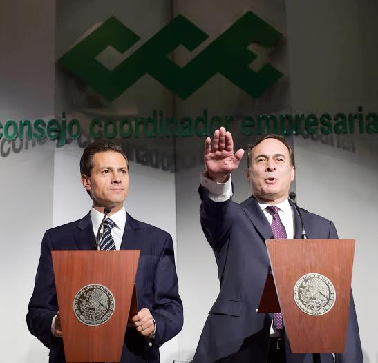 At the 33rd Ordinary General Assembly of the Business Coordinating Council, President Enrique Peña Nieto swore in Juan Pablo Castañón Castañón as president of this organization for the period from 2015 to 2016.