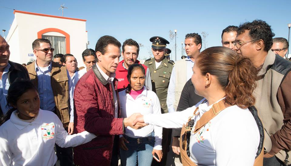 The president thanked the armed forces and public servants who contributed to the reconstruction of the affected area.