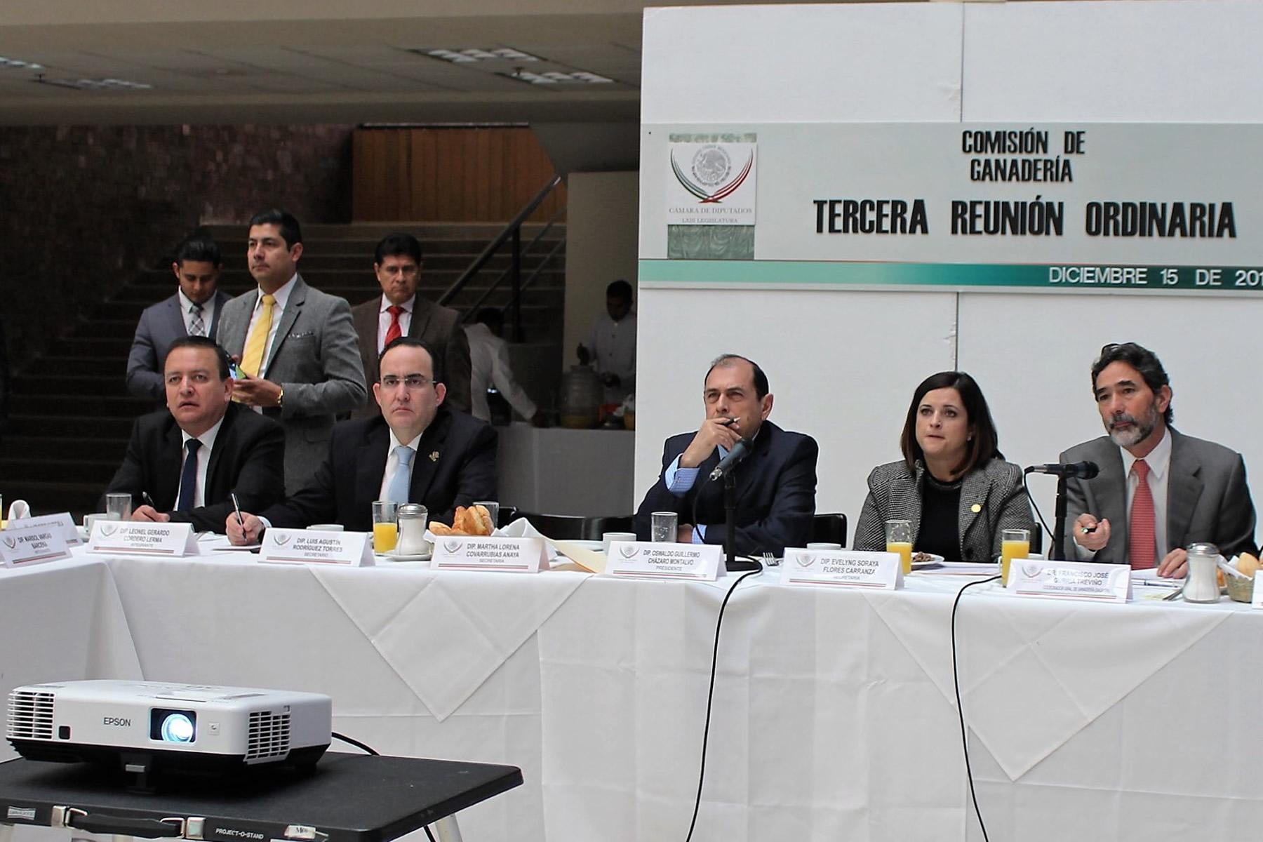 Reunión del coordinador general de Ganadería, Francisco Gurría Treviño, con la Comisión de Ganadería de la Cámara de Diputados.